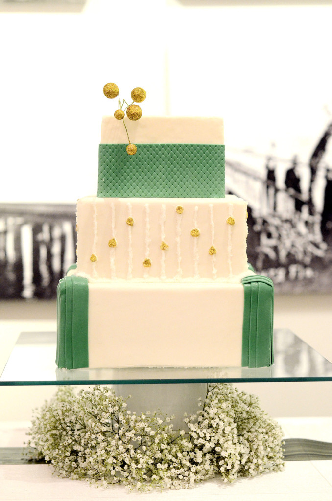 Gold and Green Dinner Party,wedding cake, party cake, gold and green cake, Ccuriosity.com