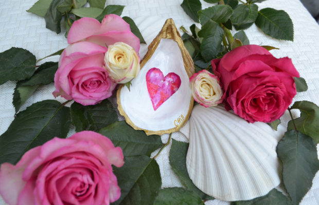 Valentine Heart Oyster Shell